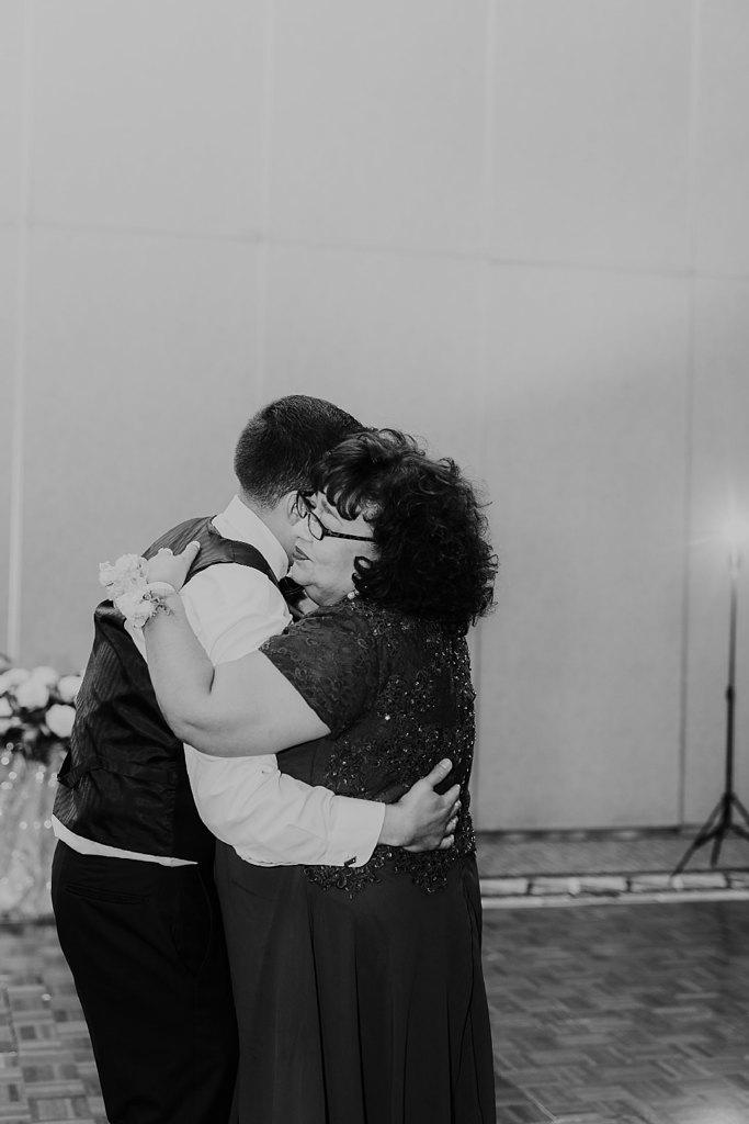 Alicia+lucia+photography+-+albuquerque+wedding+photographer+-+santa+fe+wedding+photography+-+new+mexico+wedding+photographer+-+new+mexico+wedding+-+albuquerque+wedding+-+hotel+albuquerque+wedding_0086.jpg