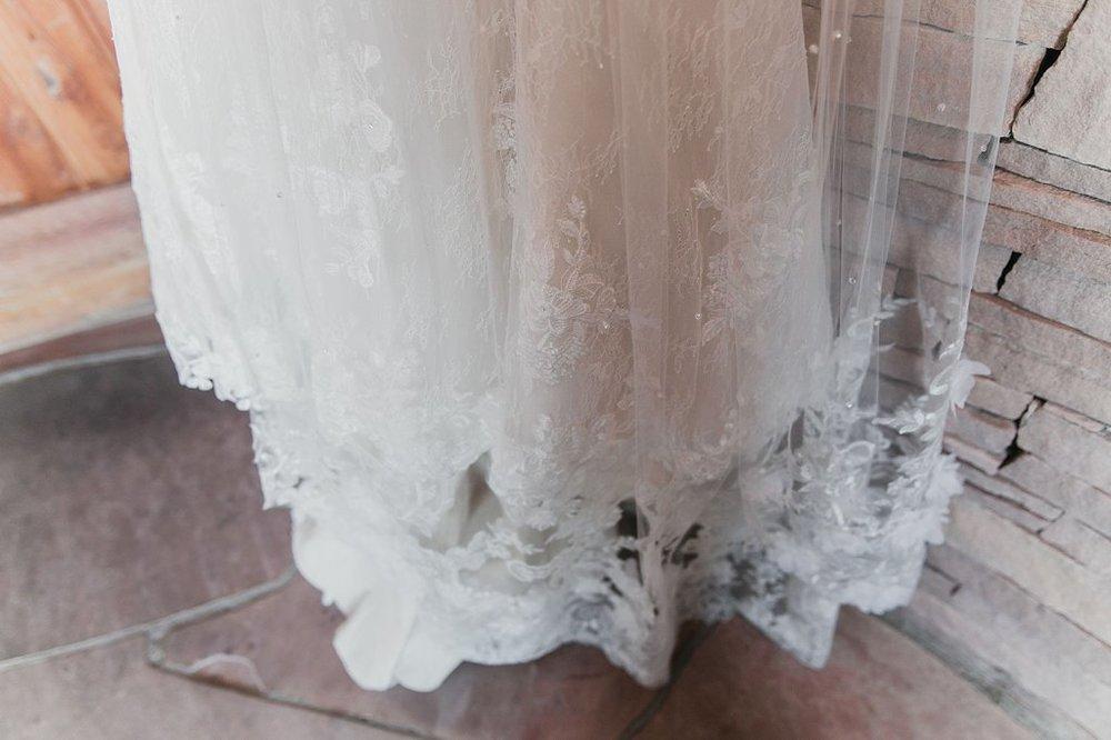 Alicia+lucia+photography+-+albuquerque+wedding+photographer+-+santa+fe+wedding+photography+-+new+mexico+wedding+photographer+-+new+mexico+wedding+-+santa+fe+wedding+-+albuquerque+wedding+-+bridal+accessories_0020.jpg
