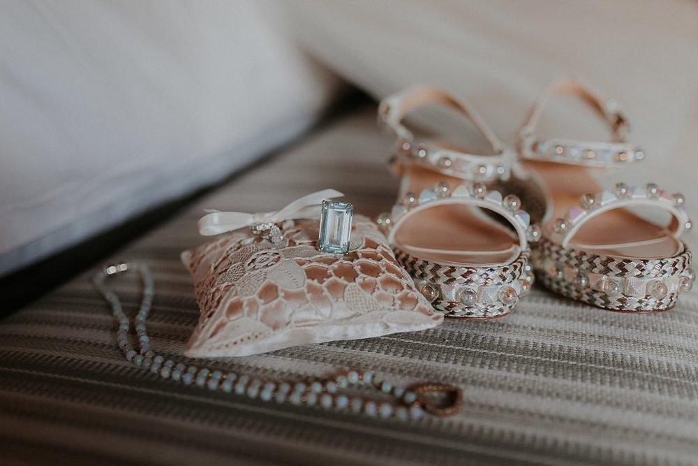 Alicia+lucia+photography+-+albuquerque+wedding+photographer+-+santa+fe+wedding+photography+-+new+mexico+wedding+photographer+-+new+mexico+wedding+-+santa+fe+wedding+-+albuquerque+wedding+-+bridal+accessories_0027.jpg