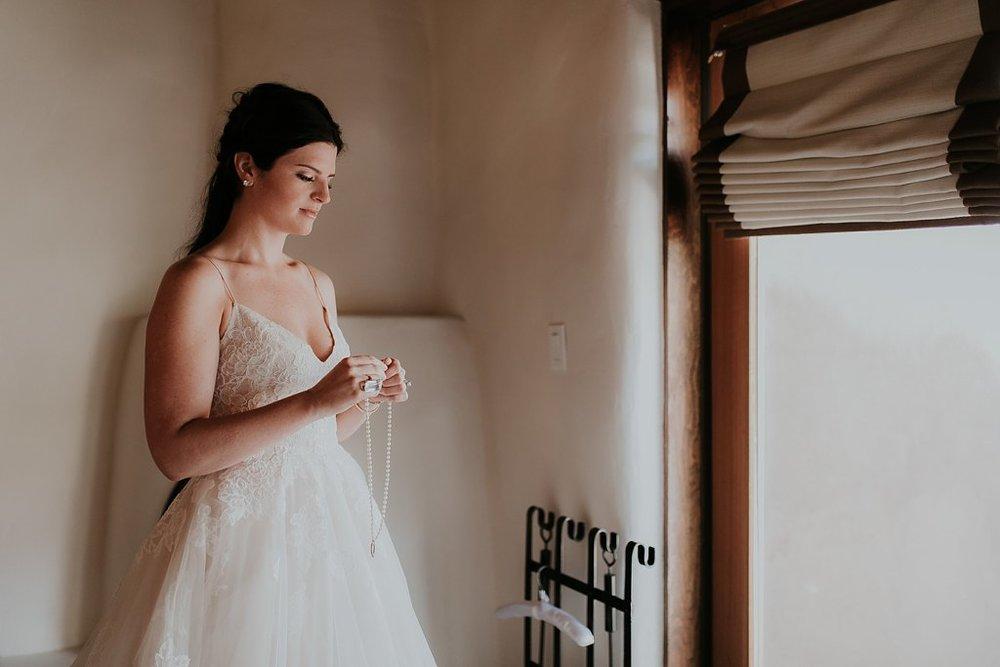 Alicia+lucia+photography+-+albuquerque+wedding+photographer+-+santa+fe+wedding+photography+-+new+mexico+wedding+photographer+-+new+mexico+wedding+-+santa+fe+wedding+-+albuquerque+wedding+-+bridal+accessories_0028.jpg