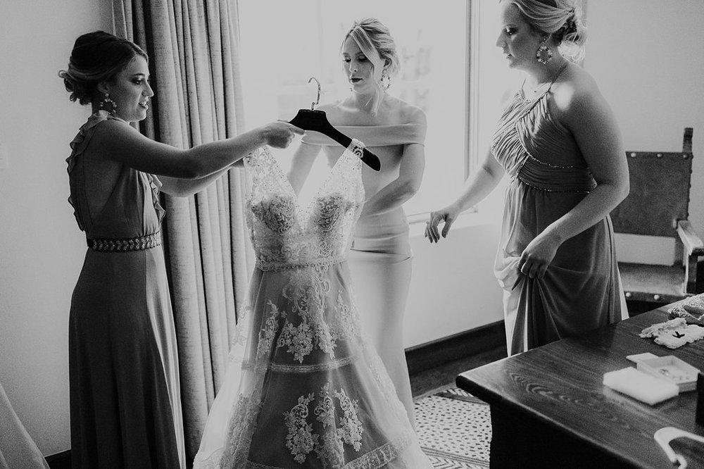 Alicia+lucia+photography+-+albuquerque+wedding+photographer+-+santa+fe+wedding+photography+-+new+mexico+wedding+photographer+-+new+mexico+wedding+-+santa+fe+wedding+-+la+posada+santa+fe+-+la+posada+wedding+-+la+posada+fall+wedding_0010.jpg