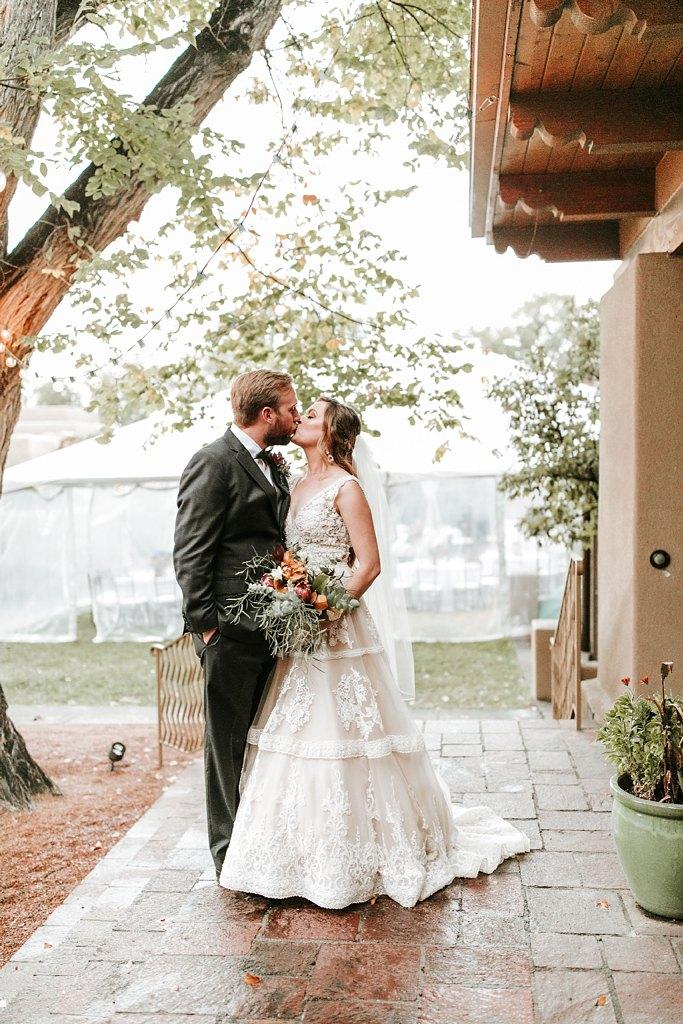 Alicia+lucia+photography+-+albuquerque+wedding+photographer+-+santa+fe+wedding+photography+-+new+mexico+wedding+photographer+-+new+mexico+wedding+-+santa+fe+wedding+-+la+posada+santa+fe+-+la+posada+wedding+-+la+posada+fall+wedding_0066.jpg