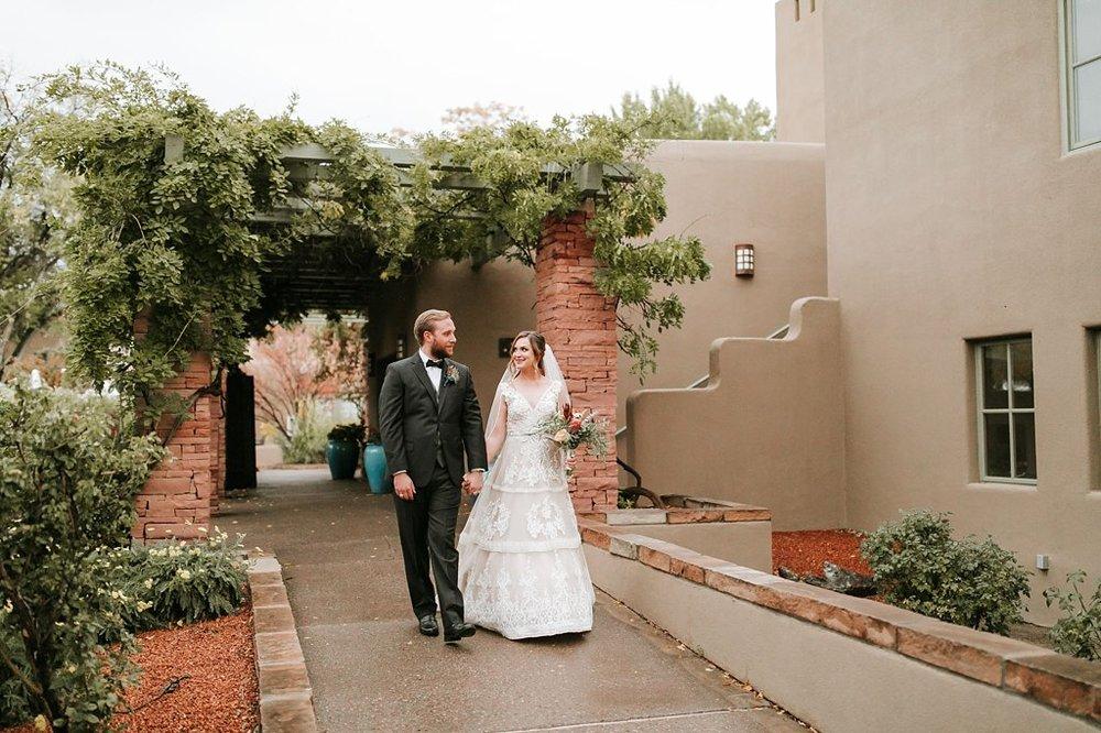 Alicia+lucia+photography+-+albuquerque+wedding+photographer+-+santa+fe+wedding+photography+-+new+mexico+wedding+photographer+-+new+mexico+wedding+-+santa+fe+wedding+-+la+posada+santa+fe+-+la+posada+wedding+-+la+posada+fall+wedding_0081.jpg