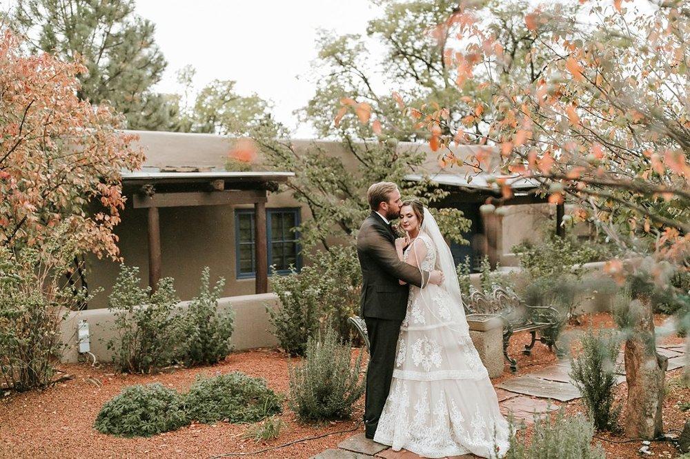 Alicia+lucia+photography+-+albuquerque+wedding+photographer+-+santa+fe+wedding+photography+-+new+mexico+wedding+photographer+-+new+mexico+wedding+-+santa+fe+wedding+-+la+posada+santa+fe+-+la+posada+wedding+-+la+posada+fall+wedding_0083.jpg