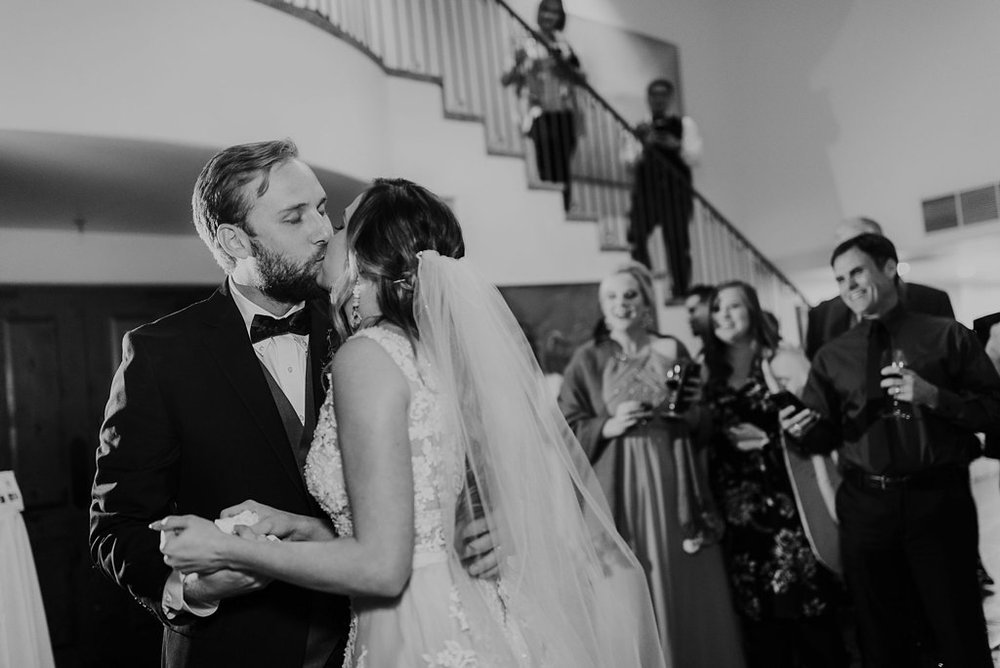 Alicia+lucia+photography+-+albuquerque+wedding+photographer+-+santa+fe+wedding+photography+-+new+mexico+wedding+photographer+-+new+mexico+wedding+-+santa+fe+wedding+-+la+posada+santa+fe+-+la+posada+wedding+-+la+posada+fall+wedding_0123.jpg
