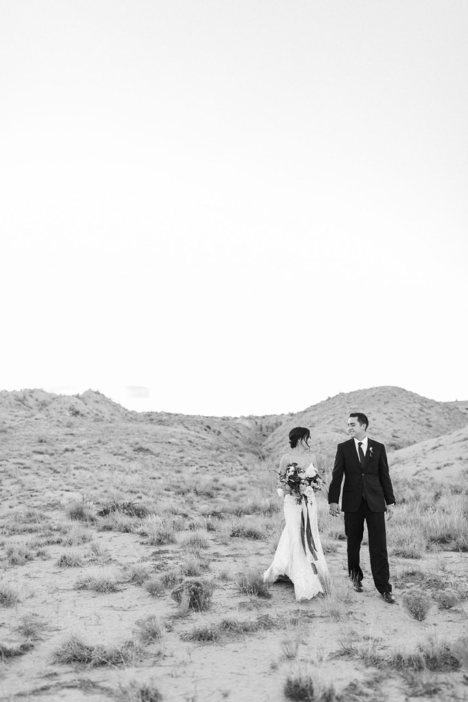 Alicia+lucia+photography+-+albuquerque+wedding+photographer+-+santa+fe+wedding+photography+-+new+mexico+wedding+photographer+-+new+mexico+wedding+-+styled+wedding+-+desert+wedding_0016.jpg