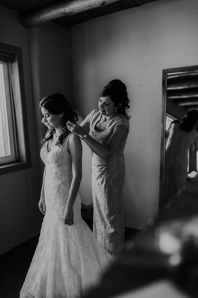 Alicia+lucia+photography+-+albuquerque+wedding+photographer+-+santa+fe+wedding+photography+-+new+mexico+wedding+photographer+-+new+mexico+wedding+-+prairie+star+wedding+-+santa+ana+star+wedding_0015.jpg