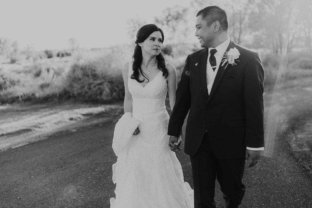 Alicia+lucia+photography+-+albuquerque+wedding+photographer+-+santa+fe+wedding+photography+-+new+mexico+wedding+photographer+-+new+mexico+wedding+-+prairie+star+wedding+-+santa+ana+star+wedding_0075.jpg