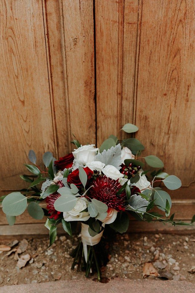Alicia+lucia+photography+-+albuquerque+wedding+photographer+-+santa+fe+wedding+photography+-+new+mexico+wedding+photographer+-+new+mexico+wedding+-+wedding+florals+-+winter+wedding+-+winter+wedding+florals_0011.jpg