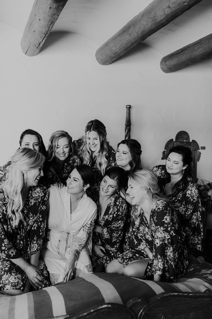 Alicia+lucia+photography+-+albuquerque+wedding+photographer+-+santa+fe+wedding+photography+-+new+mexico+wedding+photographer+-+new+mexico+wedding+-+wedding+party+-+big+wedding+-+wedding+inspo_0002.jpg