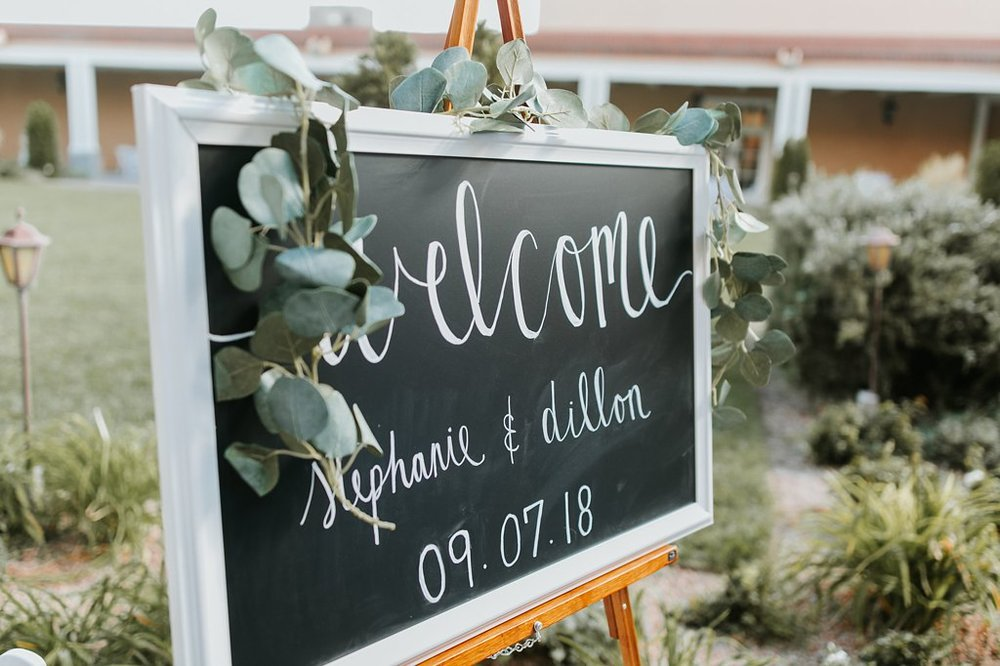 Alicia+lucia+photography+-+albuquerque+wedding+photographer+-+santa+fe+wedding+photography+-+new+mexico+wedding+photographer+-+new+mexico+wedding+-+wedding+signage+-+wedding+inspo_0002.jpg