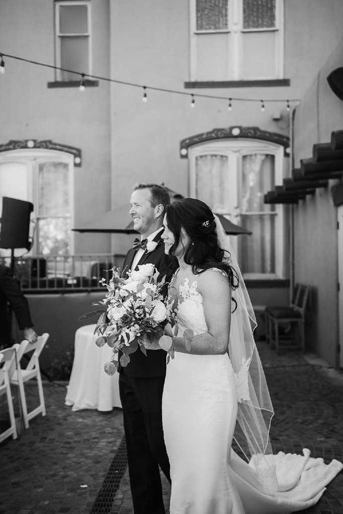 Alicia+lucia+photography+-+albuquerque+wedding+photographer+-+santa+fe+wedding+photography+-+new+mexico+wedding+photographer+-+new+mexico+wedding+-+wedding+photographer+-+groom+reactions_0025.jpg