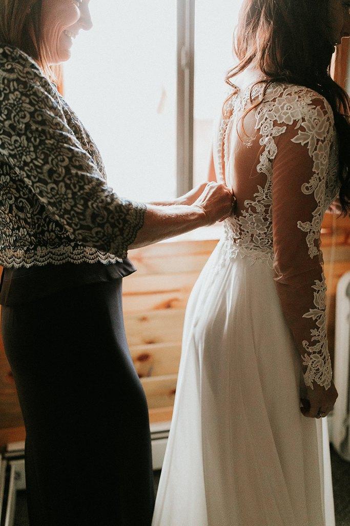 Alicia+lucia+photography+-+albuquerque+wedding+photographer+-+santa+fe+wedding+photography+-+new+mexico+wedding+photographer+-+new+mexico+wedding+-+winter+wedding+-+winter+wedding+gowns_0018.jpg