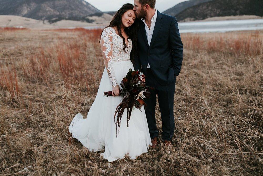 Alicia+lucia+photography+-+albuquerque+wedding+photographer+-+santa+fe+wedding+photography+-+new+mexico+wedding+photographer+-+new+mexico+wedding+-+winter+wedding+-+winter+wedding+gowns_0027.jpg