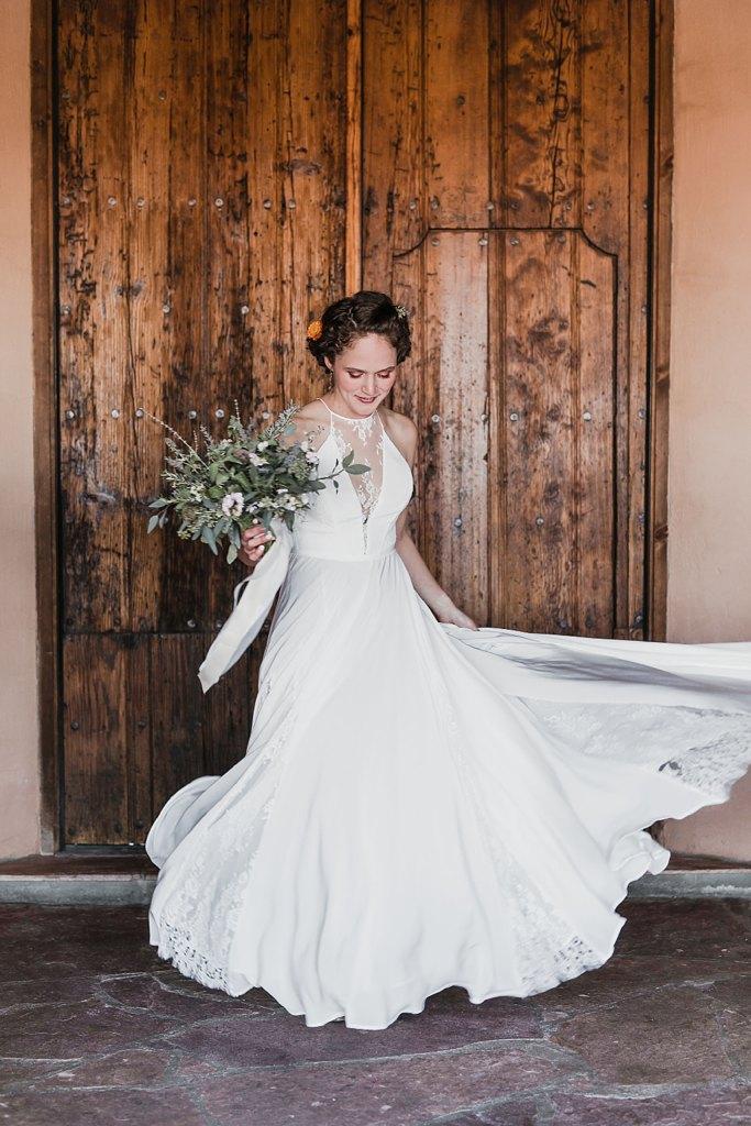 Alicia+lucia+photography+-+albuquerque+wedding+photographer+-+santa+fe+wedding+photography+-+new+mexico+wedding+photographer+-+new+mexico+wedding+-+winter+wedding+-+winter+wedding+gowns_0084.jpg