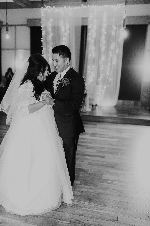 Alicia+lucia+photography+-+albuquerque+wedding+photographer+-+santa+fe+wedding+photography+-+new+mexico+wedding+photographer+-+new+mexico+wedding+-+wedding+-+winter+wedding+-+wedding+reception+-+winter+wedding+reception_0111.jpg