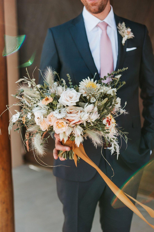 Alicia+lucia+photography+-+albuquerque+wedding+photographer+-+santa+fe+wedding+photography+-+new+mexico+wedding+photographer+-+new+mexico+wedding+-+wedding+-+groom+-+groom+style+-+wedding+style_0030.jpg