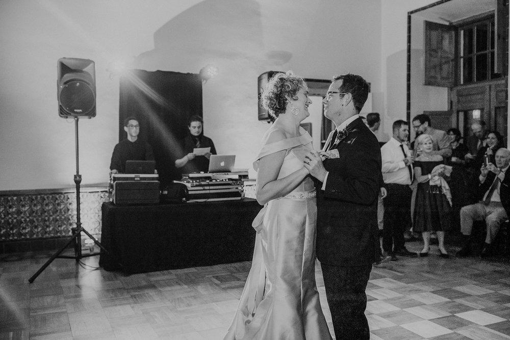 Alicia+lucia+photography+-+albuquerque+wedding+photographer+-+santa+fe+wedding+photography+-+new+mexico+wedding+photographer+-+new+mexico+wedding+-+albuquerque+wedding+-+los+poblanos+wedding+-+fall+wedding_0064.jpg