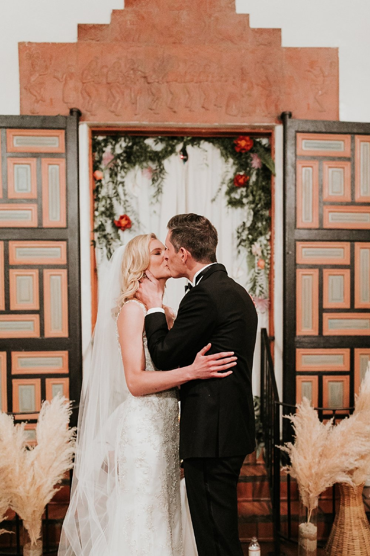 Alicia+lucia+photography+-+albuquerque+wedding+photographer+-+santa+fe+wedding+photography+-+new+mexico+wedding+photographer+-+new+mexico+wedding+-+albuquerque+wedding+-+santa+fe+wedding+-+wedding+kisses+-+wedding+first+kisses_0005.jpg
