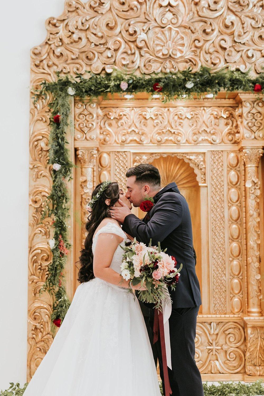 Alicia+lucia+photography+-+albuquerque+wedding+photographer+-+santa+fe+wedding+photography+-+new+mexico+wedding+photographer+-+new+mexico+wedding+-+albuquerque+wedding+-+santa+fe+wedding+-+wedding+kisses+-+wedding+first+kisses_0010.jpg