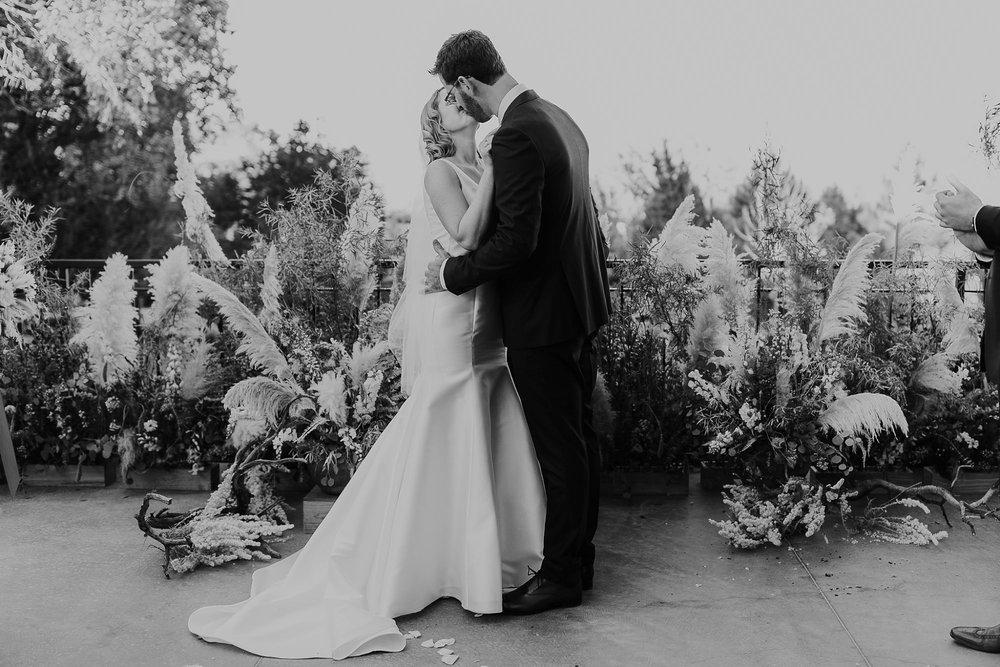 Alicia+lucia+photography+-+albuquerque+wedding+photographer+-+santa+fe+wedding+photography+-+new+mexico+wedding+photographer+-+new+mexico+wedding+-+albuquerque+wedding+-+santa+fe+wedding+-+wedding+kisses+-+wedding+first+kisses_0022.jpg