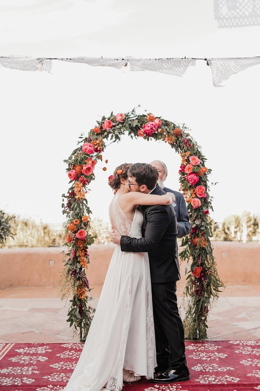 Alicia+lucia+photography+-+albuquerque+wedding+photographer+-+santa+fe+wedding+photography+-+new+mexico+wedding+photographer+-+new+mexico+wedding+-+albuquerque+wedding+-+santa+fe+wedding+-+wedding+kisses+-+wedding+first+kisses_0025.jpg