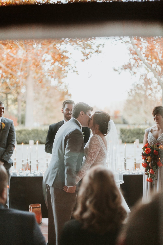 Alicia+lucia+photography+-+albuquerque+wedding+photographer+-+santa+fe+wedding+photography+-+new+mexico+wedding+photographer+-+new+mexico+wedding+-+albuquerque+wedding+-+santa+fe+wedding+-+wedding+kisses+-+wedding+first+kisses_0029.jpg