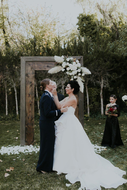 Alicia+lucia+photography+-+albuquerque+wedding+photographer+-+santa+fe+wedding+photography+-+new+mexico+wedding+photographer+-+new+mexico+wedding+-+albuquerque+wedding+-+santa+fe+wedding+-+wedding+kisses+-+wedding+first+kisses_0031.jpg