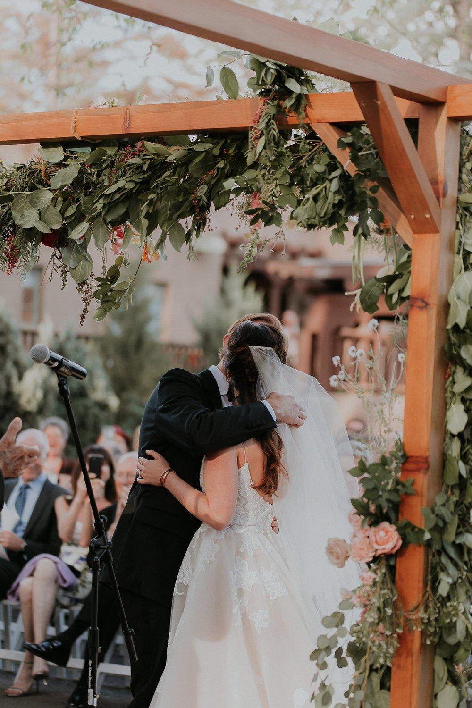 Alicia+lucia+photography+-+albuquerque+wedding+photographer+-+santa+fe+wedding+photography+-+new+mexico+wedding+photographer+-+new+mexico+wedding+-+albuquerque+wedding+-+santa+fe+wedding+-+wedding+kisses+-+wedding+first+kisses_0042.jpg