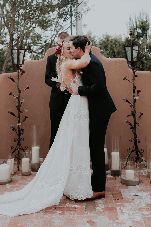 Alicia+lucia+photography+-+albuquerque+wedding+photographer+-+santa+fe+wedding+photography+-+new+mexico+wedding+photographer+-+new+mexico+wedding+-+albuquerque+wedding+-+santa+fe+wedding+-+wedding+kisses+-+wedding+first+kisses_0046.jpg
