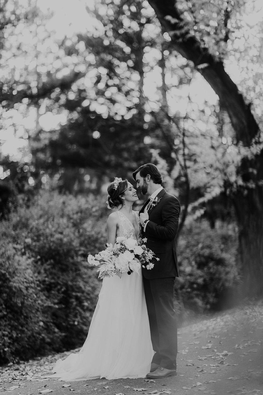 Alicia+lucia+photography+-+albuquerque+wedding+photographer+-+santa+fe+wedding+photography+-+new+mexico+wedding+photographer+-+new+mexico+wedding+-+albuquerque+wedding+-+rocky+mountain+bride+-+los+poblanos+wedding_0099.jpg