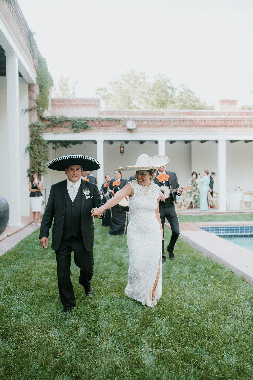 Alicia+lucia+photography+-+albuquerque+wedding+photographer+-+santa+fe+wedding+photography+-+new+mexico+wedding+photographer+-+new+mexico+wedding+-+santa+fe+wedding+-+albuquerque+wedding+-+southwest+wedding+traditions_0044.jpg