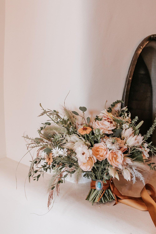 Alicia+lucia+photography+-+albuquerque+wedding+photographer+-+santa+fe+wedding+photography+-+new+mexico+wedding+photographer+-+new+mexico+wedding+-+santa+fe+wedding+-+albuquerque+wedding+-+wedding+florist+-+new+mexico+wedding+florist_0017.jpg