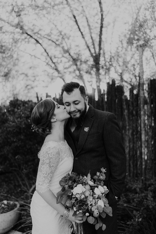 Alicia+lucia+photography+-+albuquerque+wedding+photographer+-+santa+fe+wedding+photography+-+new+mexico+wedding+photographer+-+albuquerque+wedding+-+sarabande+bed+breakfast+-+bed+and+breakfast+wedding_0089.jpg