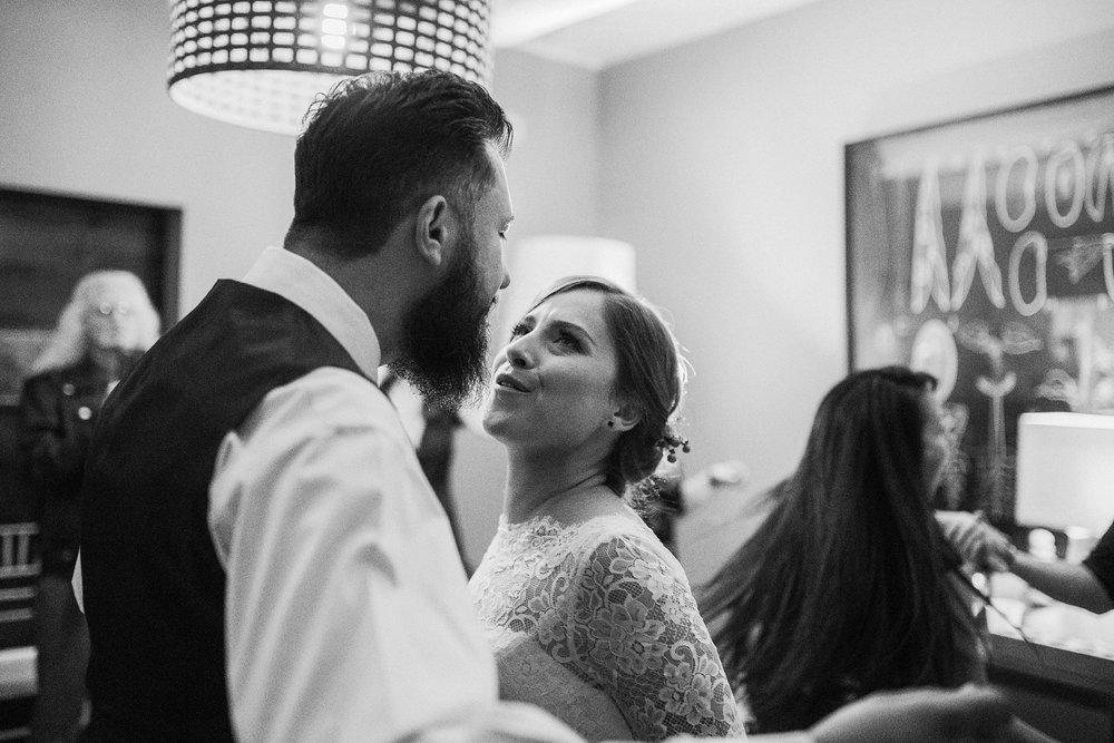 Alicia+lucia+photography+-+albuquerque+wedding+photographer+-+santa+fe+wedding+photography+-+new+mexico+wedding+photographer+-+albuquerque+wedding+-+sarabande+bed+breakfast+-+bed+and+breakfast+wedding_0120.jpg
