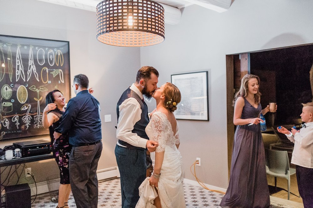 Alicia+lucia+photography+-+albuquerque+wedding+photographer+-+santa+fe+wedding+photography+-+new+mexico+wedding+photographer+-+albuquerque+wedding+-+sarabande+bed+breakfast+-+bed+and+breakfast+wedding_0121.jpg