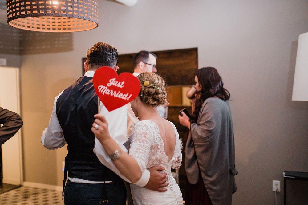 Alicia+lucia+photography+-+albuquerque+wedding+photographer+-+santa+fe+wedding+photography+-+new+mexico+wedding+photographer+-+albuquerque+wedding+-+sarabande+bed+breakfast+-+bed+and+breakfast+wedding_0116.jpg