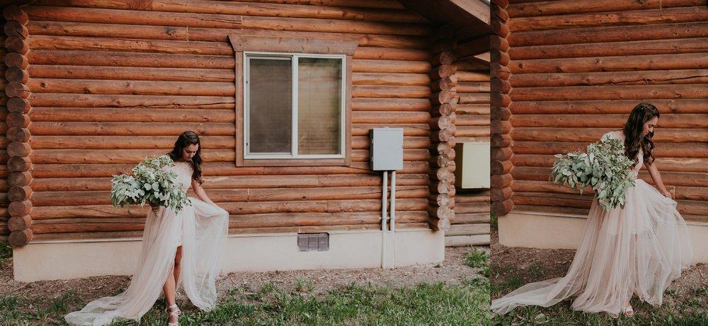 Alicia+lucia+photography+-+albuquerque+wedding+photographer+-+santa+fe+wedding+photography+-+new+mexico+wedding+photographer+-+albuquerque+wedding+-+santa+fe+wedding+-+wedding+gowns+-+non+traditional+wedding+gowns_0005.jpg