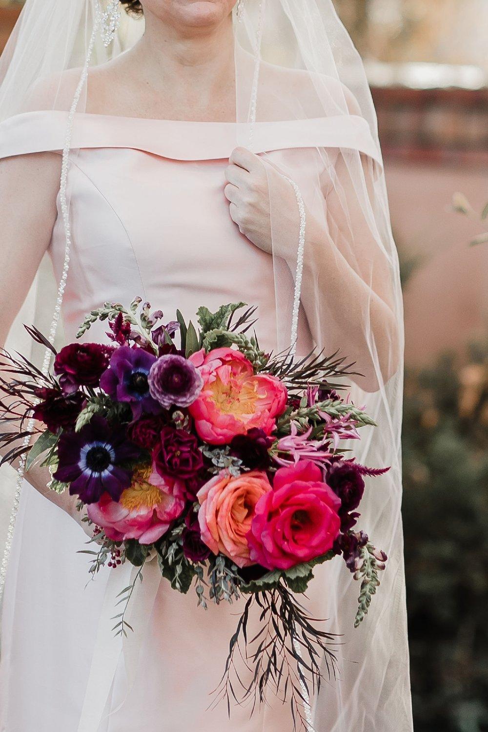 Alicia+lucia+photography+-+albuquerque+wedding+photographer+-+santa+fe+wedding+photography+-+new+mexico+wedding+photographer+-+albuquerque+wedding+-+santa+fe+wedding+-+wedding+gowns+-+non+traditional+wedding+gowns_0013.jpg