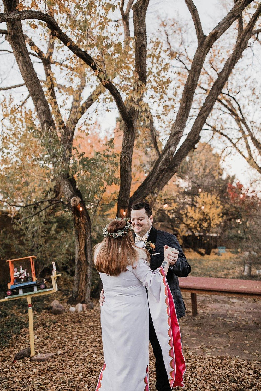 Alicia+lucia+photography+-+albuquerque+wedding+photographer+-+santa+fe+wedding+photography+-+new+mexico+wedding+photographer+-+albuquerque+wedding+-+santa+fe+wedding+-+wedding+gowns+-+non+traditional+wedding+gowns_0027.jpg