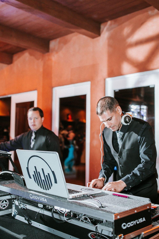 Alicia+lucia+photography+-+albuquerque+wedding+photographer+-+santa+fe+wedding+photography+-+new+mexico+wedding+photographer+-+new+mexico+wedding+dj+-+new+mexico+wedding+band+-+wedding+music_0011.jpg