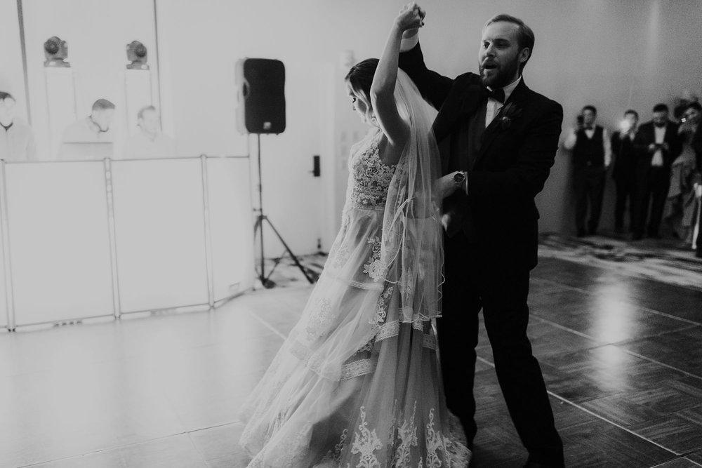 Alicia+lucia+photography+-+albuquerque+wedding+photographer+-+santa+fe+wedding+photography+-+new+mexico+wedding+photographer+-+new+mexico+wedding+dj+-+new+mexico+wedding+band+-+wedding+music_0031.jpg