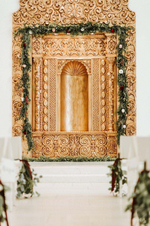 Alicia+lucia+photography+-+albuquerque+wedding+photographer+-+santa+fe+wedding+photography+-+new+mexico+wedding+photographer+-+wedding+ceremony+-+wedding+alter+-+floral+alter_0011.jpg
