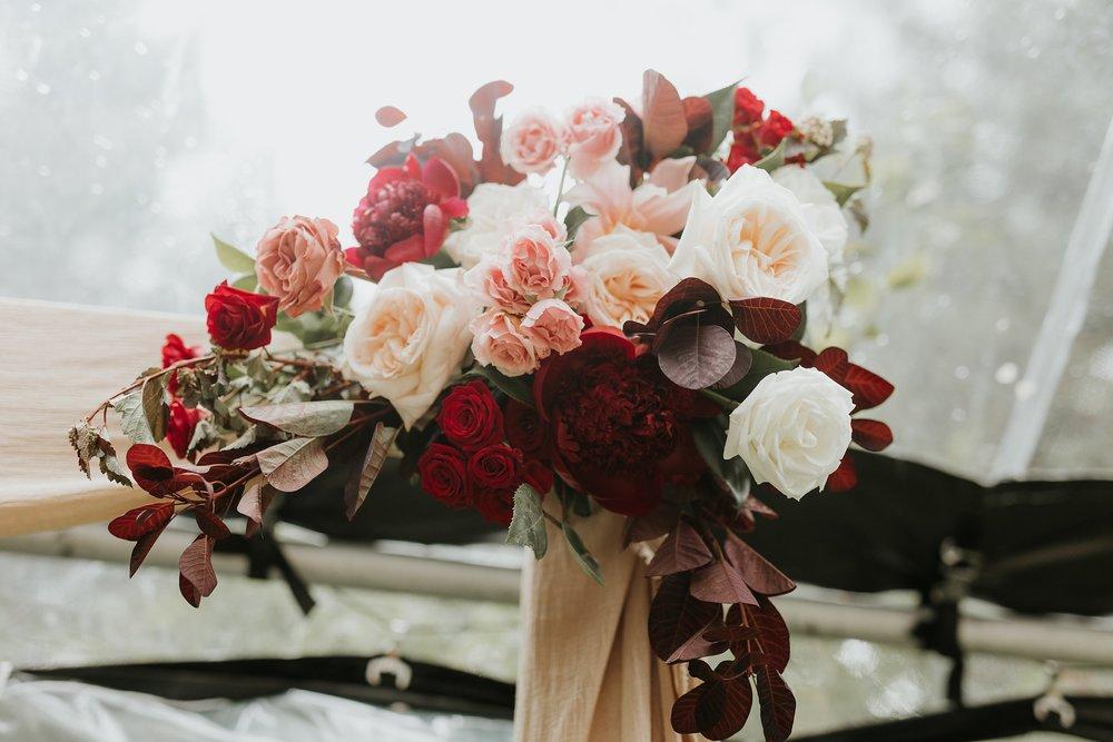 Alicia+lucia+photography+-+albuquerque+wedding+photographer+-+santa+fe+wedding+photography+-+new+mexico+wedding+photographer+-+wedding+ceremony+-+wedding+alter+-+floral+alter_0033.jpg