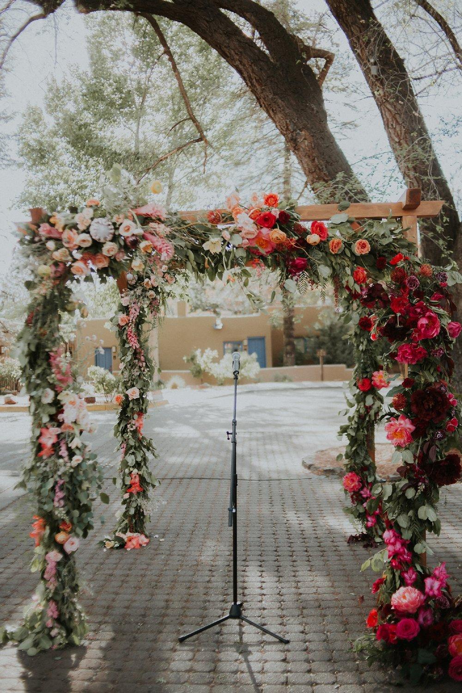 Alicia+lucia+photography+-+albuquerque+wedding+photographer+-+santa+fe+wedding+photography+-+new+mexico+wedding+photographer+-+wedding+ceremony+-+wedding+alter+-+floral+alter_0042.jpg