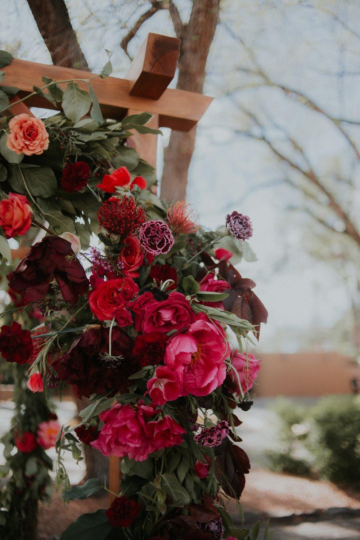 Alicia+lucia+photography+-+albuquerque+wedding+photographer+-+santa+fe+wedding+photography+-+new+mexico+wedding+photographer+-+wedding+ceremony+-+wedding+alter+-+floral+alter_0044.jpg