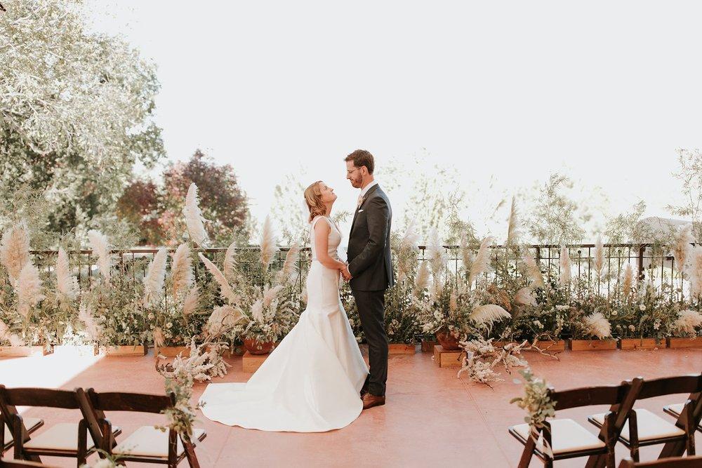 Alicia+lucia+photography+-+albuquerque+wedding+photographer+-+santa+fe+wedding+photography+-+new+mexico+wedding+photographer+-+wedding+ceremony+-+wedding+alter+-+floral+alter_0054.jpg