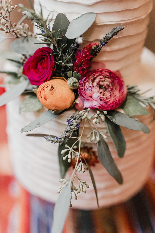 Alicia+lucia+photography+-+albuquerque+wedding+photographer+-+santa+fe+wedding+photography+-+new+mexico+wedding+photographer+-+wedding+reception+-+wedding+cake+-+wedding+sweets+-+maggies+cakes_0009.jpg