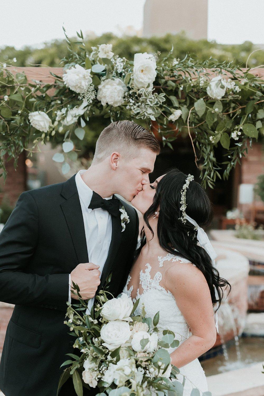Alicia+lucia+photography+-+albuquerque+wedding+photographer+-+santa+fe+wedding+photography+-+new+mexico+wedding+photographer+-+new+mexico+florist+-+wedding+florist+-+renegade+floral_0020.jpg