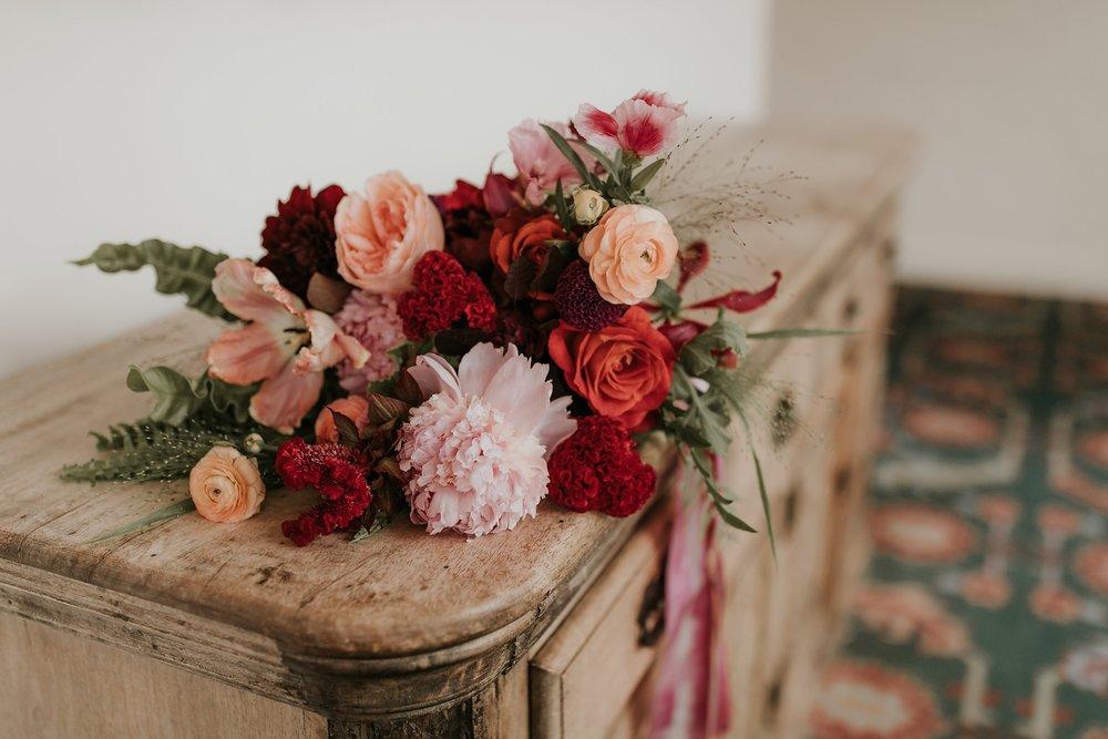 Alicia+lucia+photography+-+albuquerque+wedding+photographer+-+santa+fe+wedding+photography+-+new+mexico+wedding+photographer+-+new+mexico+florist+-+wedding+florist+-+renegade+floral_0023.jpg
